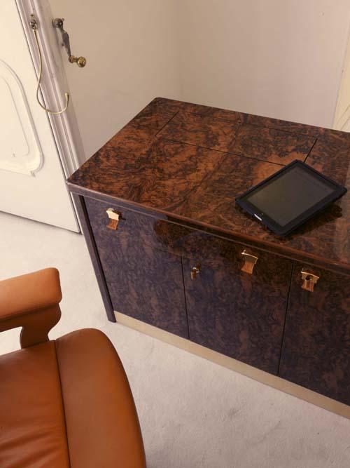 bureau de grand luxe mar antares. Black Bedroom Furniture Sets. Home Design Ideas