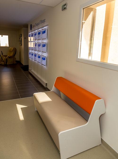 banquette salle d 39 attente mus es mb realisation. Black Bedroom Furniture Sets. Home Design Ideas