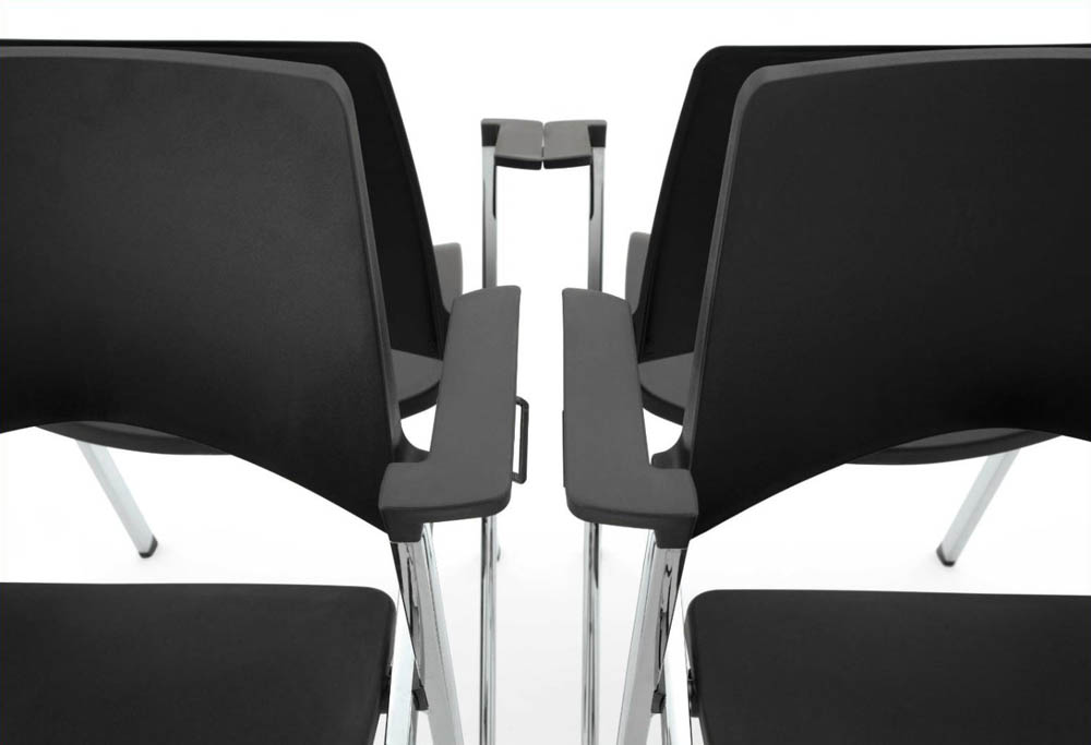 Chaise pliable emboitable empilable pour salle de for Chaise 5013