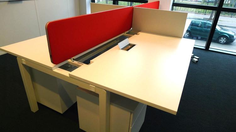 bureau plateau coulissant pour lectrification ydm. Black Bedroom Furniture Sets. Home Design Ideas